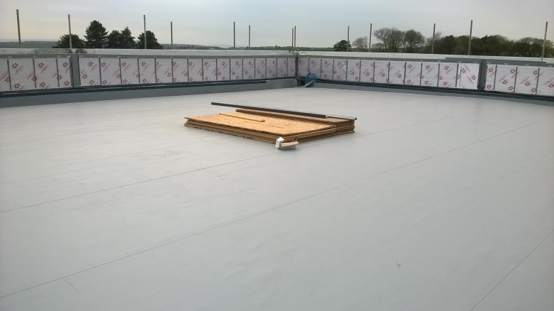 durable_waterproofing_solution_single_ply_roof