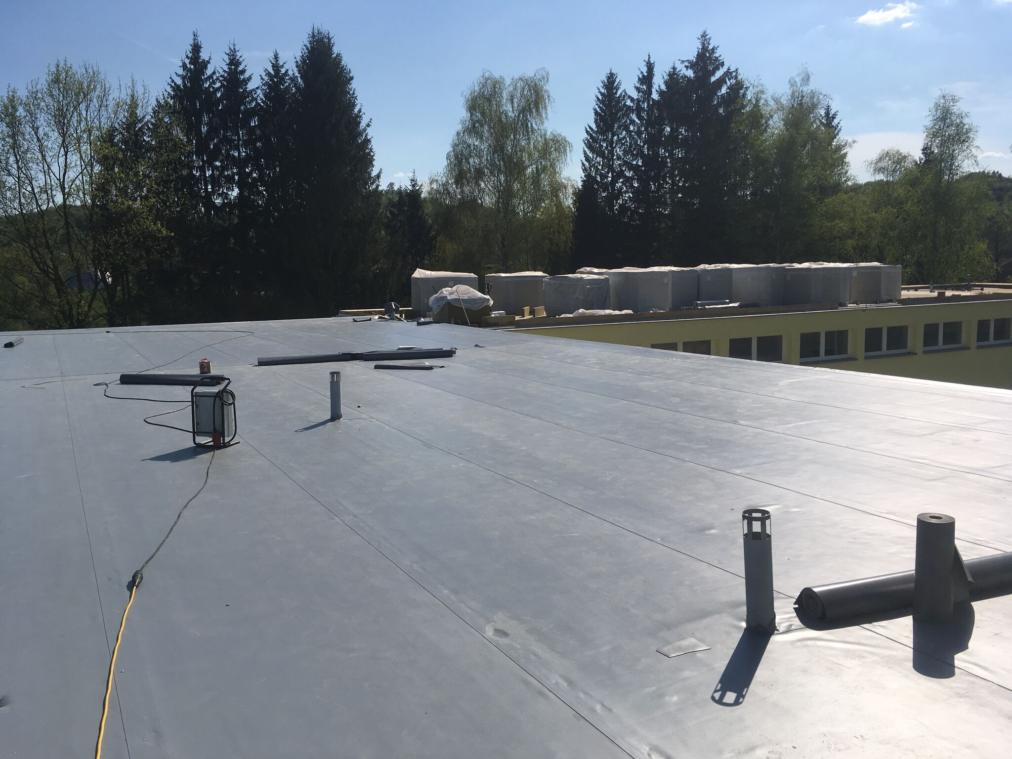 single-ply-roof-primary-school-roof