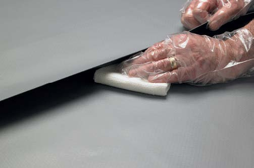 cleaning_single_ply_membranes_before_welding